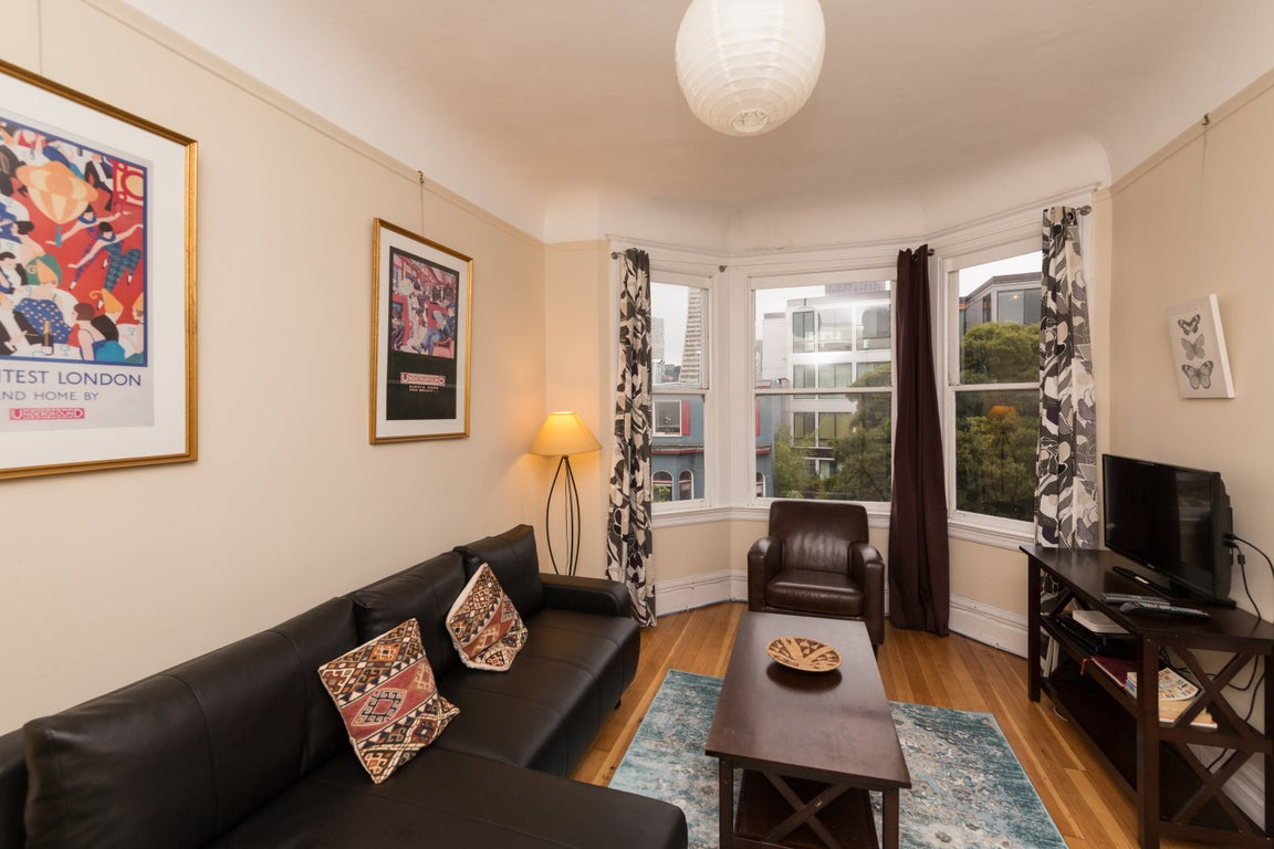 Furnished 2 Bedroom Apartment at Montgomery St & Vallejo ...
