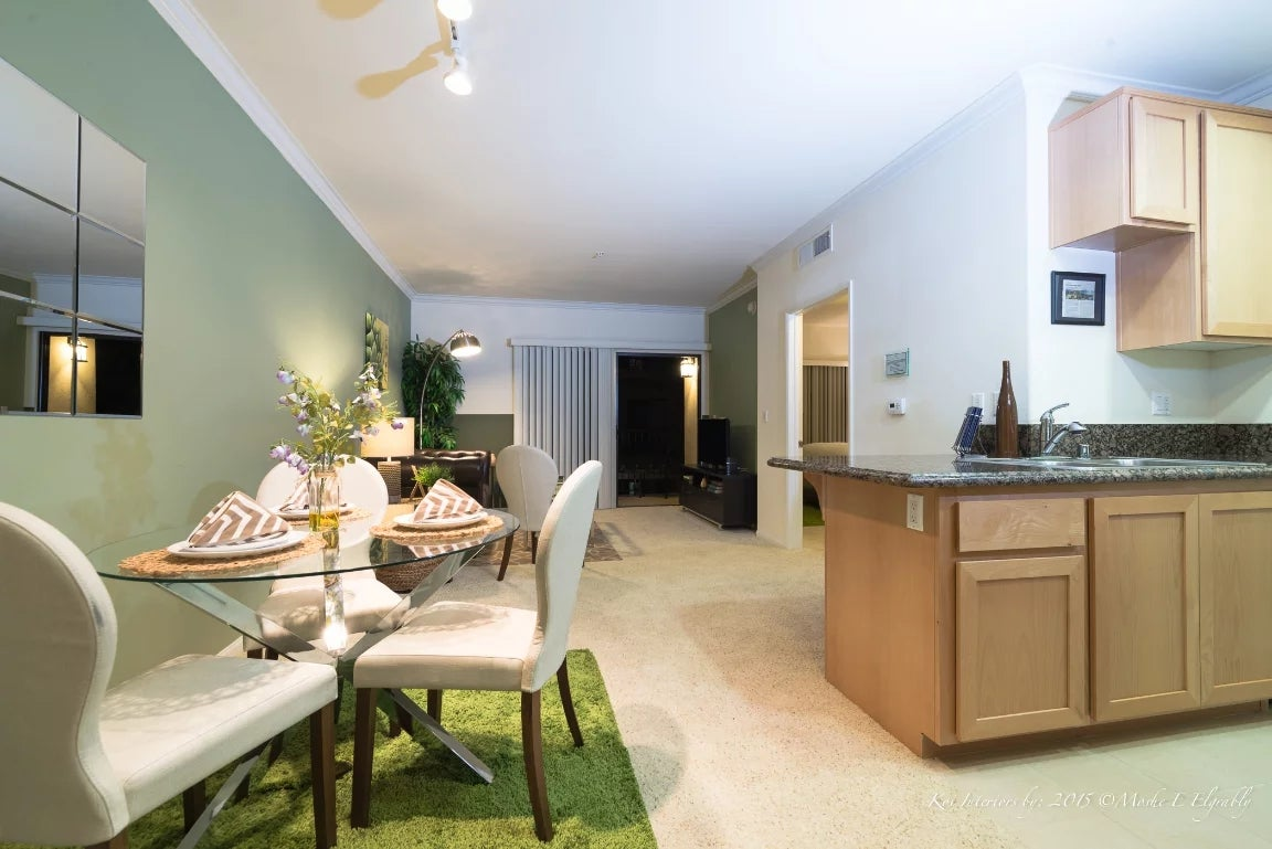 Furnished 1 Bedroom Apartment at Wilshire Blvd & St Paul ...