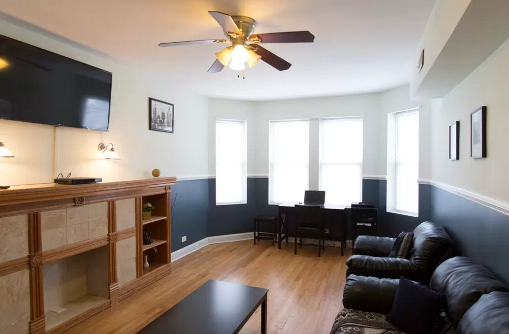 Furnished 3 Bedroom Apartment at N Central Park Ave & W ...