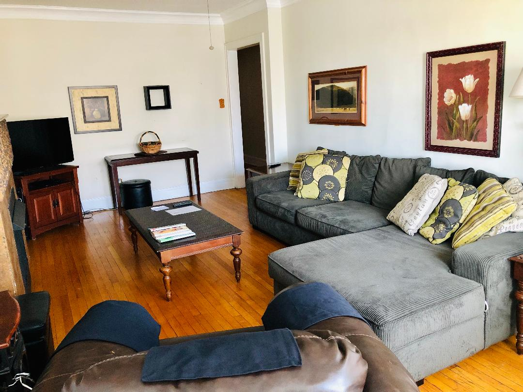 beautifully furnished three bedroom in wrigley for 120