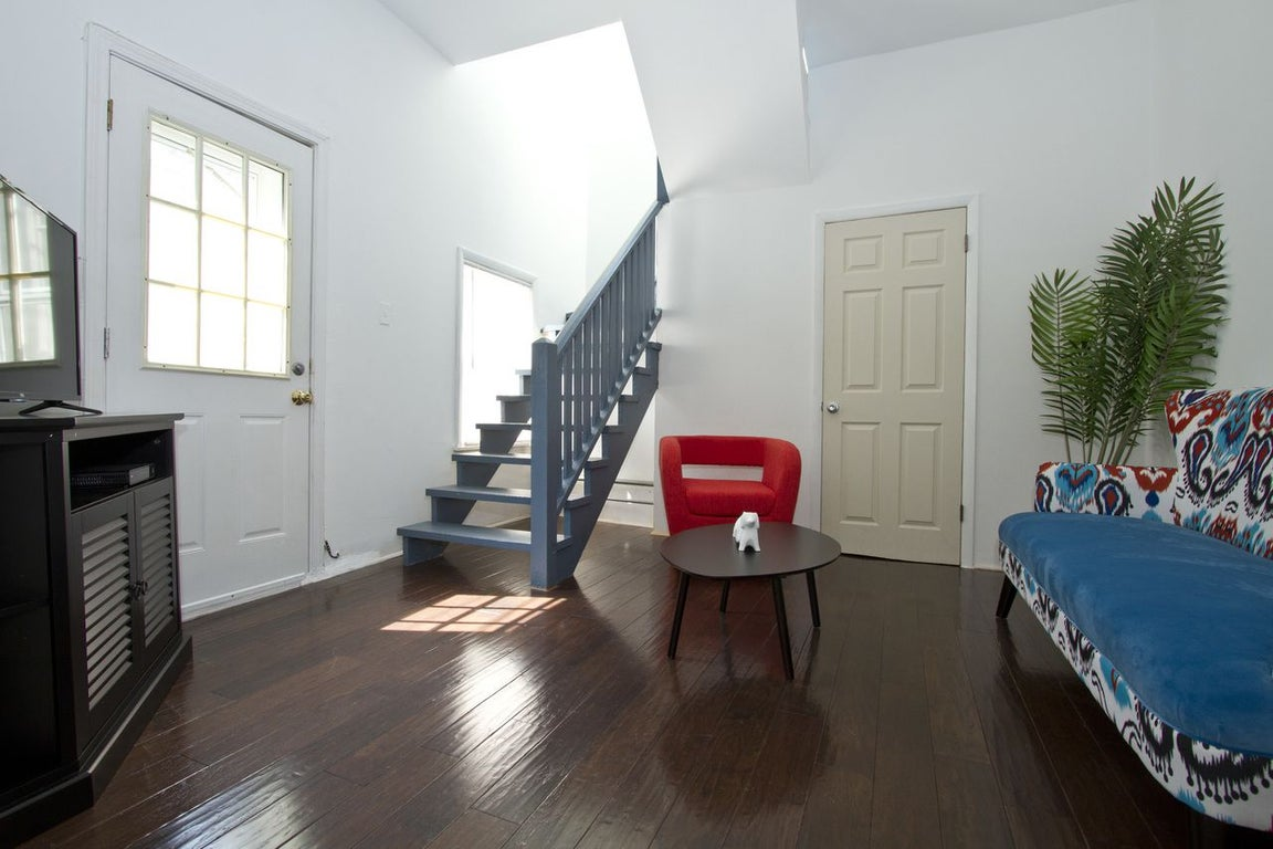 furnished 3 bedroom apartment at w belmont ave  n clifton