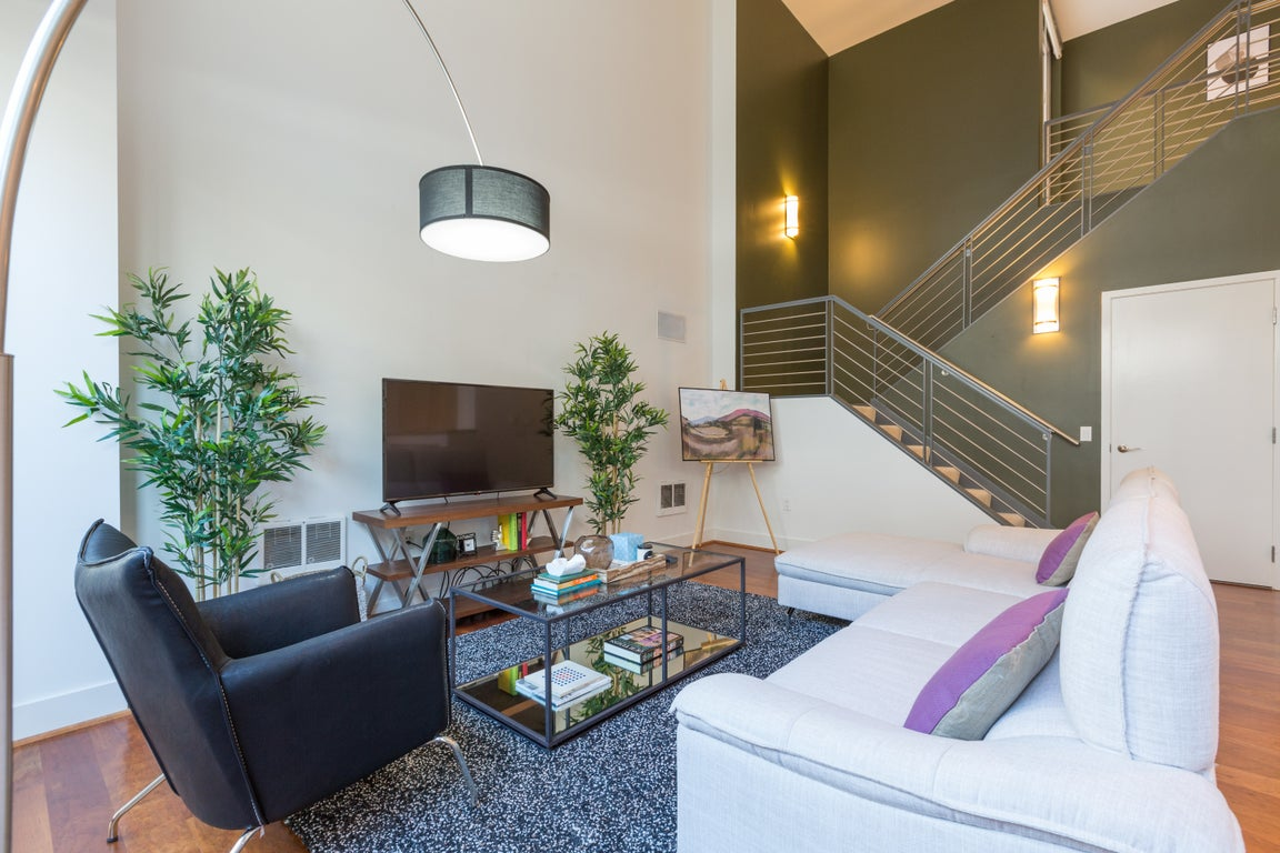 2 bedroom townhouse in soma for 246night  come home to