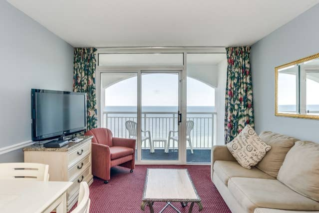 Oceanfront Penthouse At Camelot By The Sea For 71 Night Come Home To This Apartment In Myrtle Beach